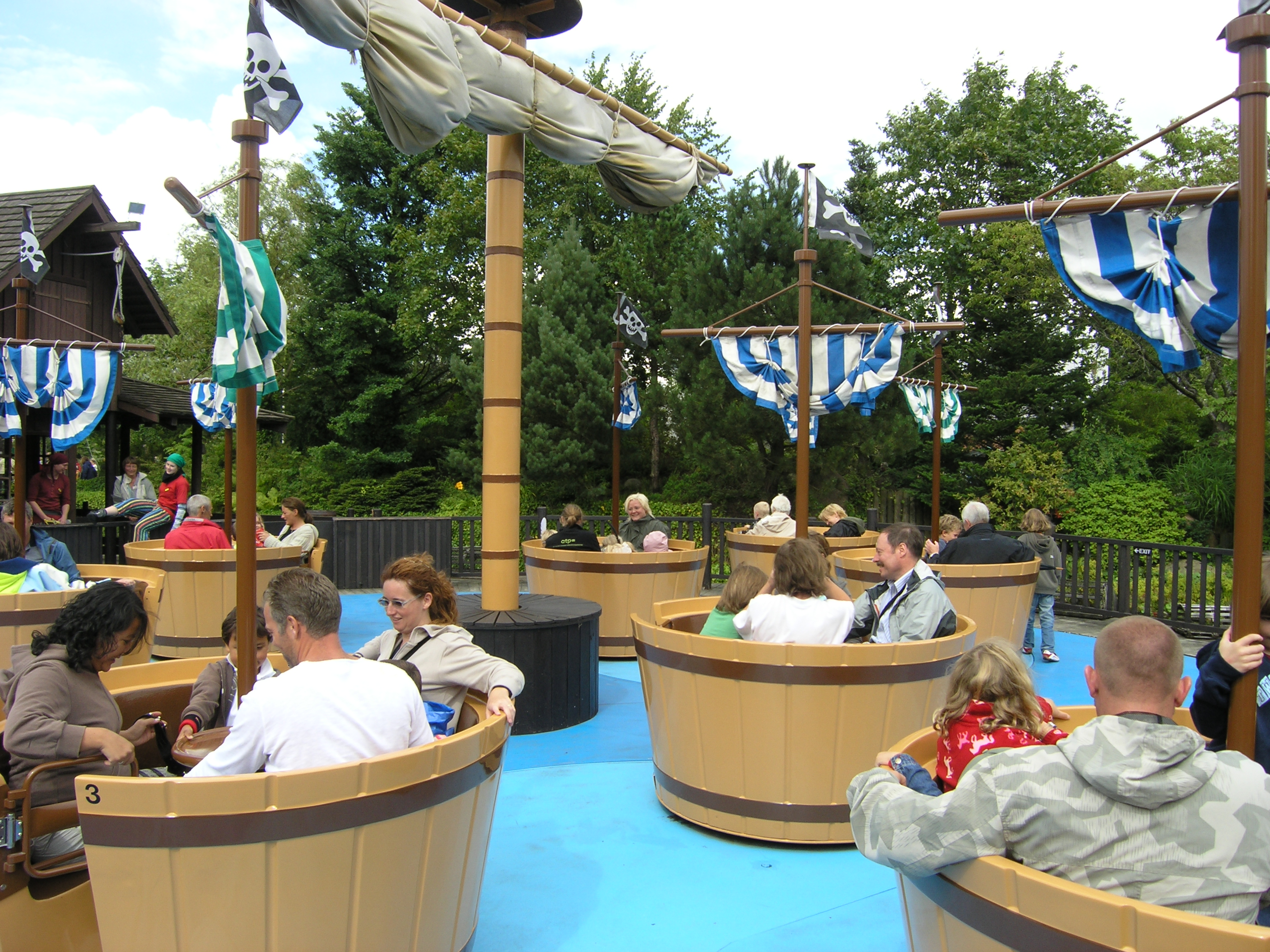 Legoland_Billund_-_Pirate_Carousel