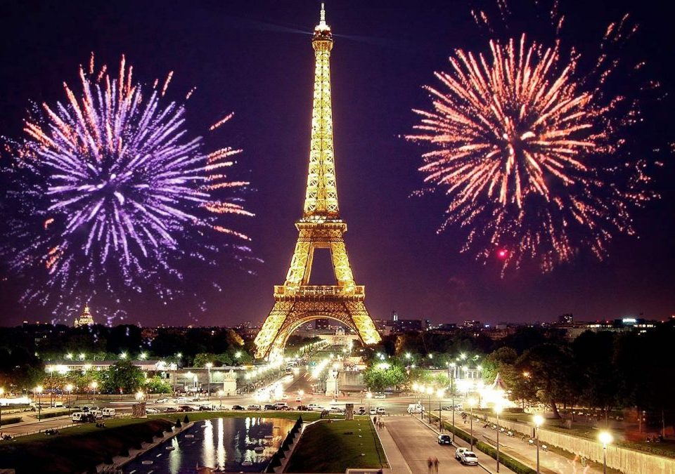 новый-год-в-Париже-1080x675